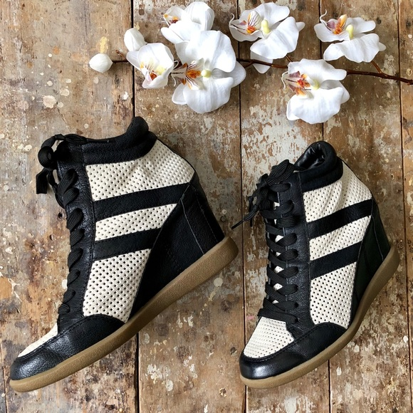 9911a532b140 Sam Edelman Bolton Leather Lace Up Wedge Sneakers.  M 5ab8a3d2caab448ec49b851f
